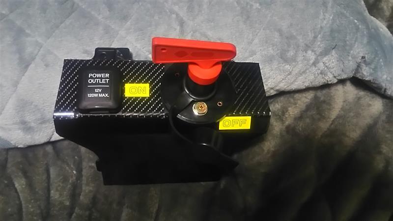 CUZCOのバッテリーカットアウトスイッチ ターンスイッチ式セット取り付け