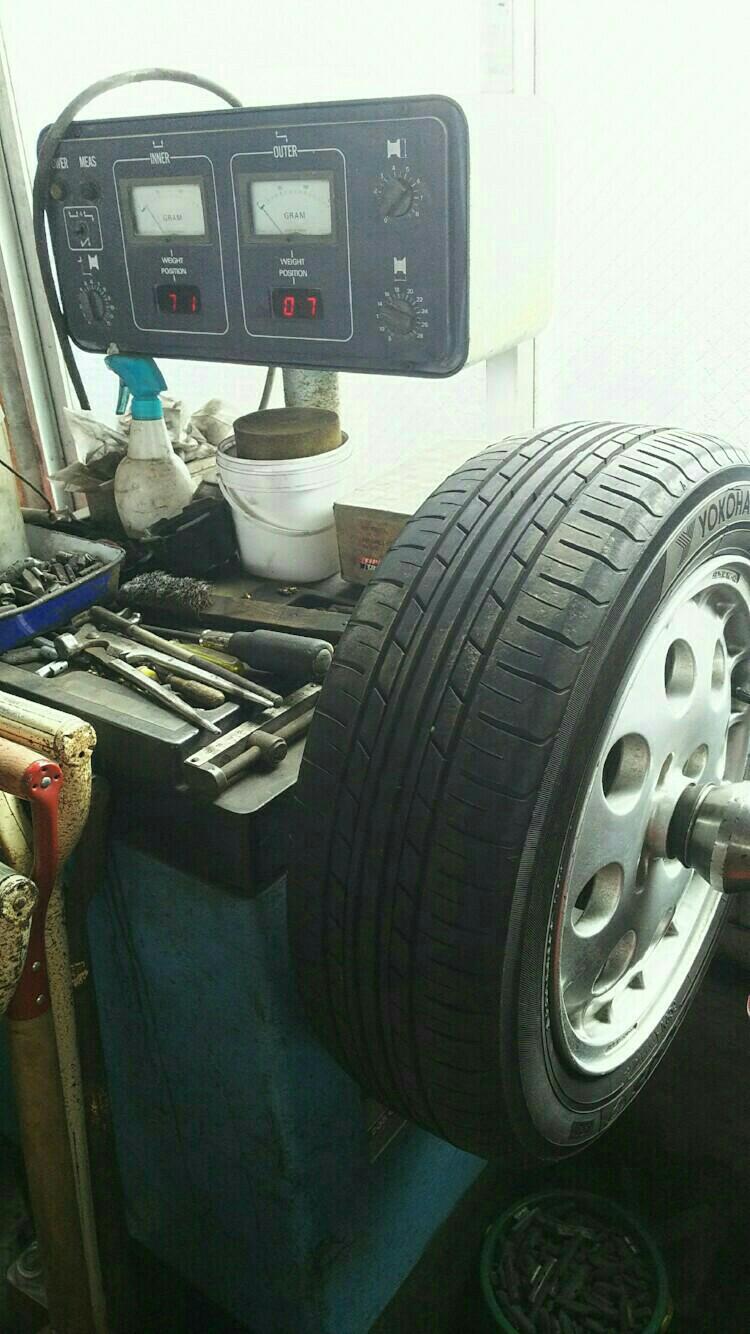 定期エンジンオイル交換・夏タイヤへ交換。