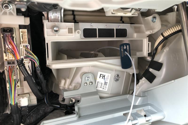 エアコンフィルター交換、エバポレータークリーナー施工