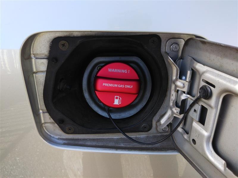 BP5 A型 2.0GT フュエルリッドカバー取付