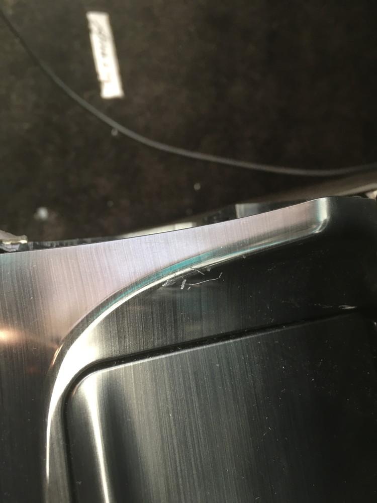 センターコンソールのガリ傷