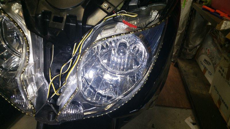 ヘッドライトH4LEDに交換