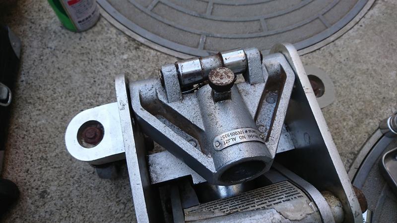 ARCAN アルミ2トンジャッキ 修理 (1)