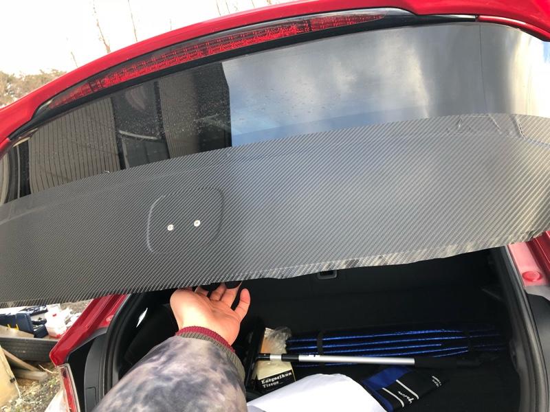 エンブレム塗装 リアゲートカーボンシート貼り
