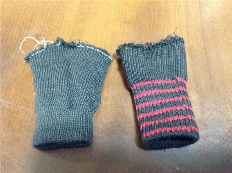 左:途中経過<br /><br /><br /><br />右:作業終了<br /><br /><br /><br />糸のほつれは気にしない事。