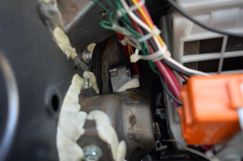 エポキシパテ 運転席ダッシュパネル内部の補強