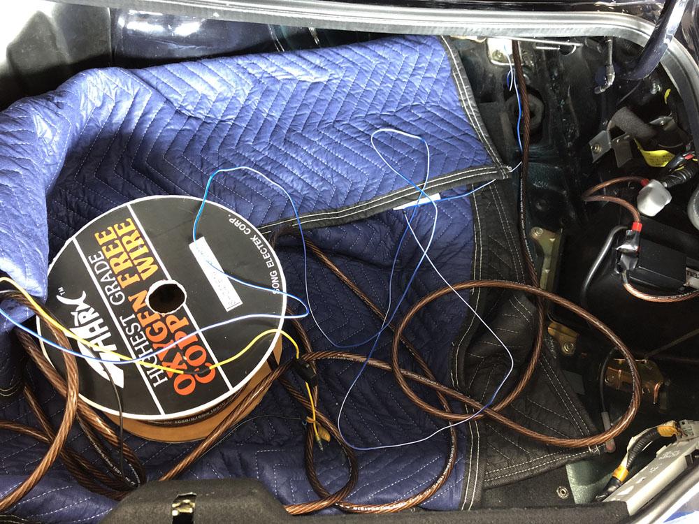 電源ケーブル敷設