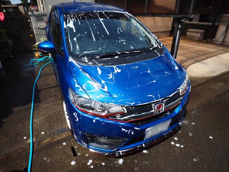 洗車とワックスがけ、エンブレム取り付け