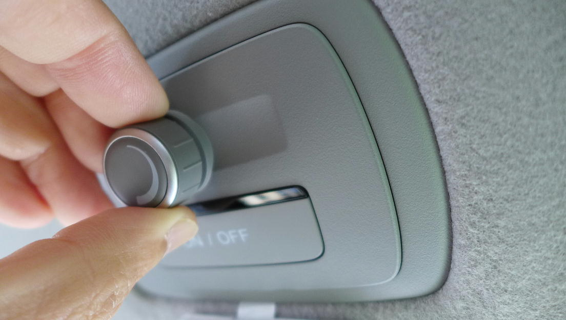 LED室内灯装備車にLEDランプ増設(2)