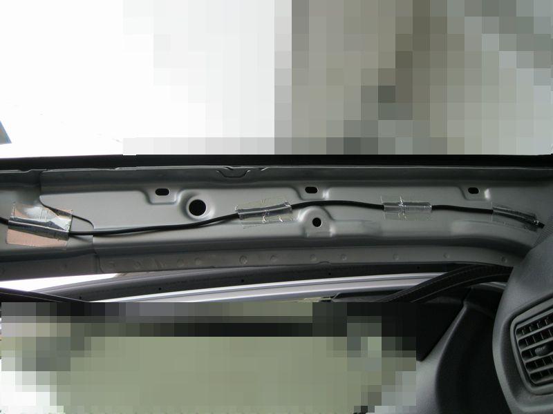 ドラレコの配線と増設したシガーソケットを隠す