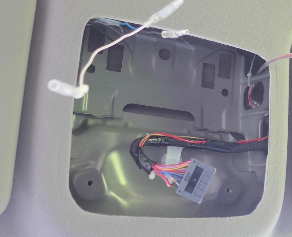 LED室内灯装備車にLEDランプ増設(3)