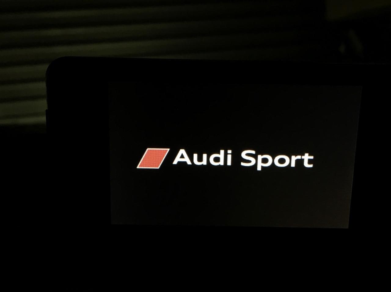 おもしろカスタマイズにてAudi Sport へ