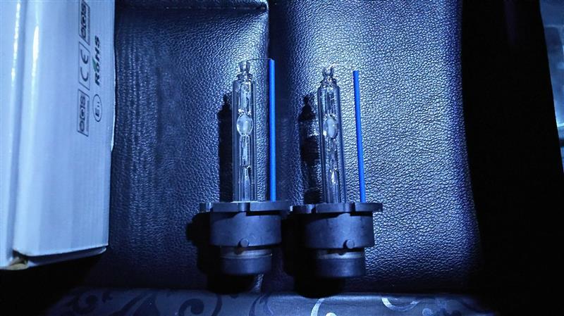 HIDヘッドライト ロービームのバーナー交換