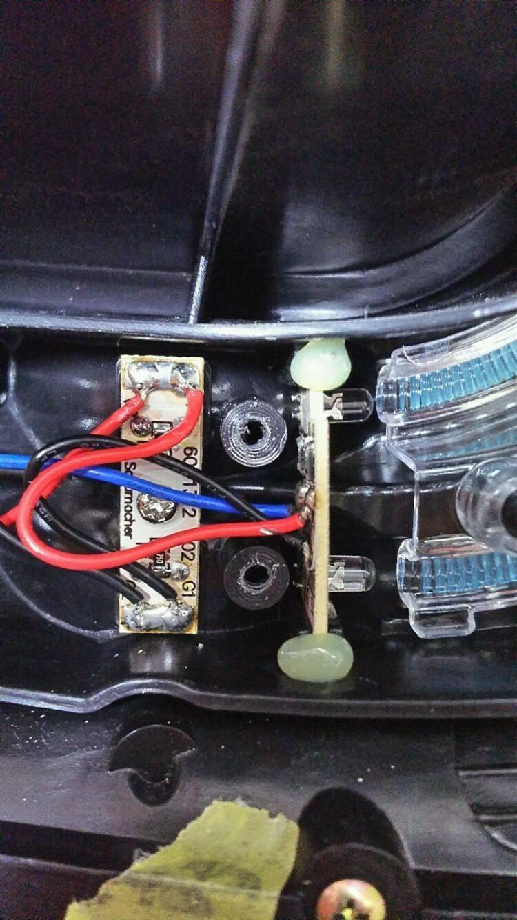 valenti テールランプLED修理