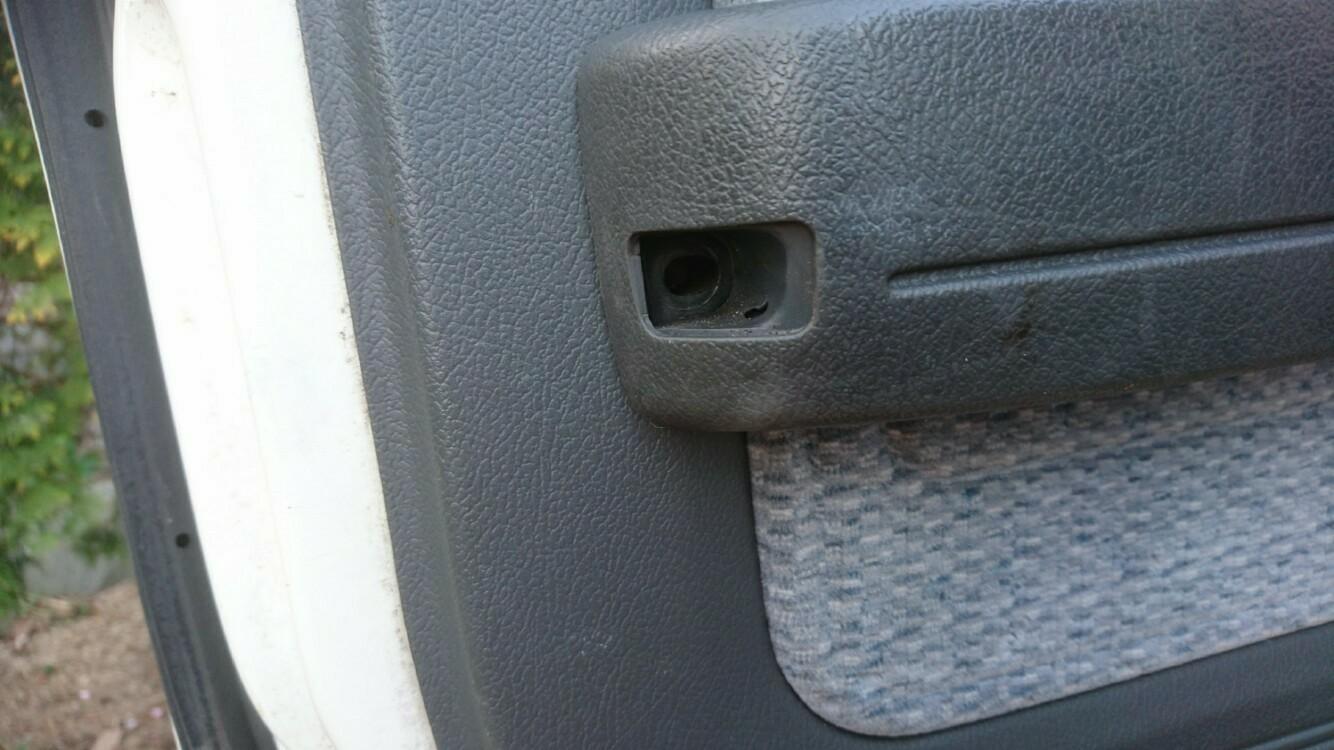 ドア内張り交換&ドアスピーカー取り付け