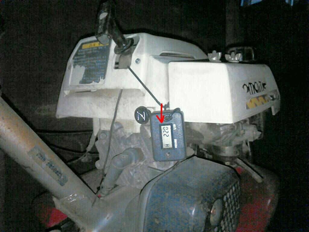 F210・こまめ: アワーメーター(エンジン作動時間)、確認。