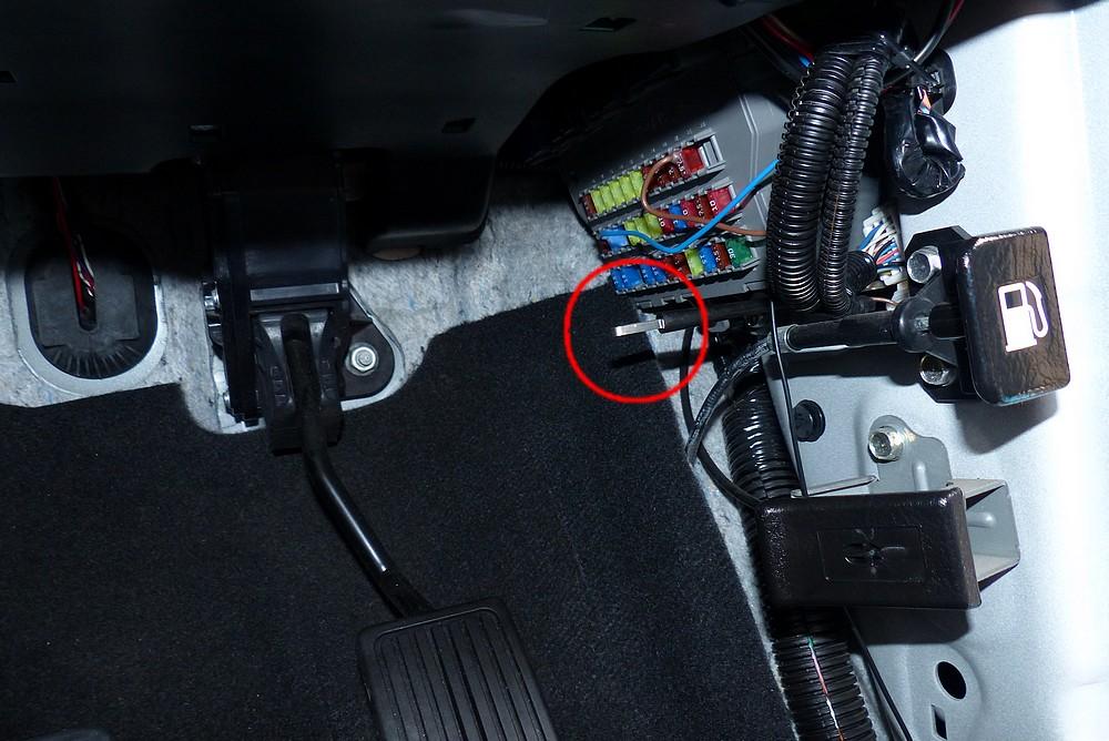 リバース連動ミラー下降装置&ドアミラー格納装置取付け その1