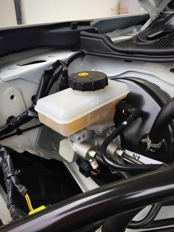 ブレーキパッド交換  ブレーキ、クラッチフルード全交換