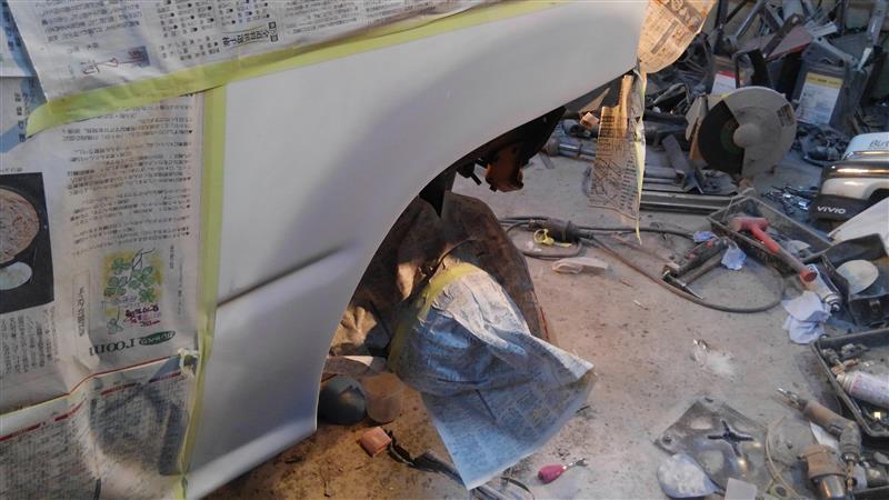 リアクォーター、ステップ板金修理。