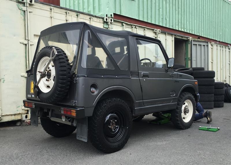 SJ30 タイヤ、ホイール交換
