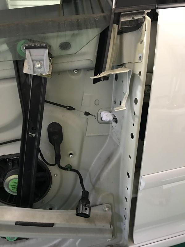 ドアロック交換、開かなく前に交換します。