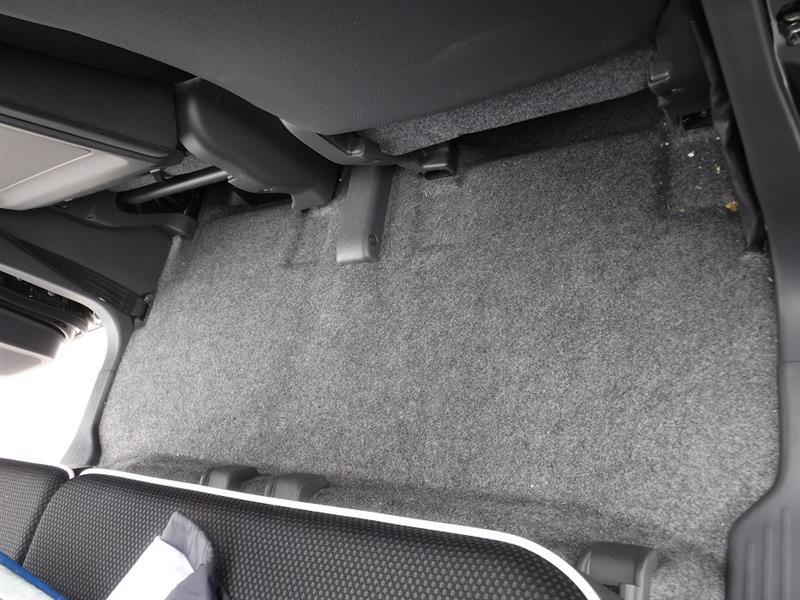 器械洗車&内装掃除機掛け&ワックス塗布