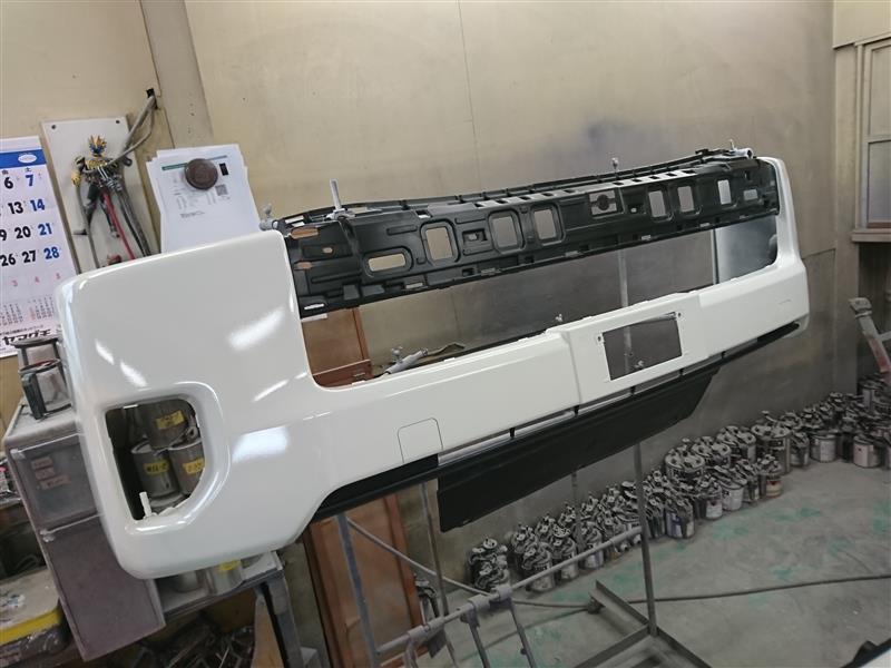 バンパー塗装(201系ハイエースバン)