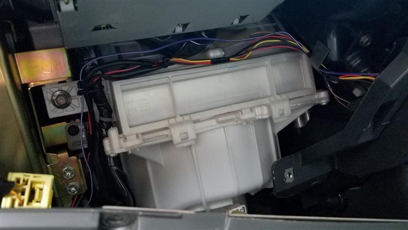 [102140km]エアコンフィルター交換