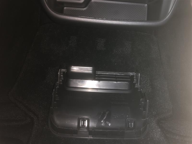 USB接続ジャック、HDMI接続ジャック取付