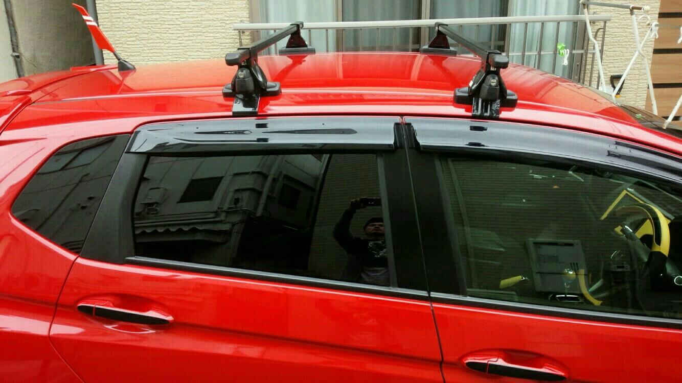 ルーフバー防水テープ貼り付け、ルーフキャリア保護シート貼り替え
