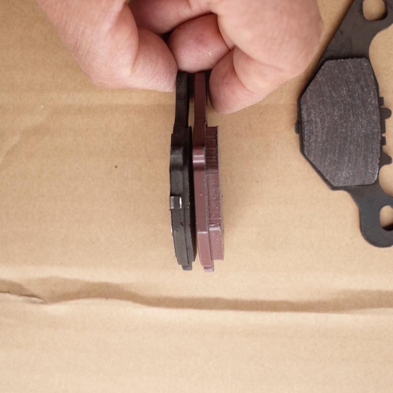 スズキアドレスV125Sブレーキパッド交換