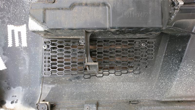 リアバンパー穴あけ+ハニカムメッシュグリル取付+アルミテープ追加