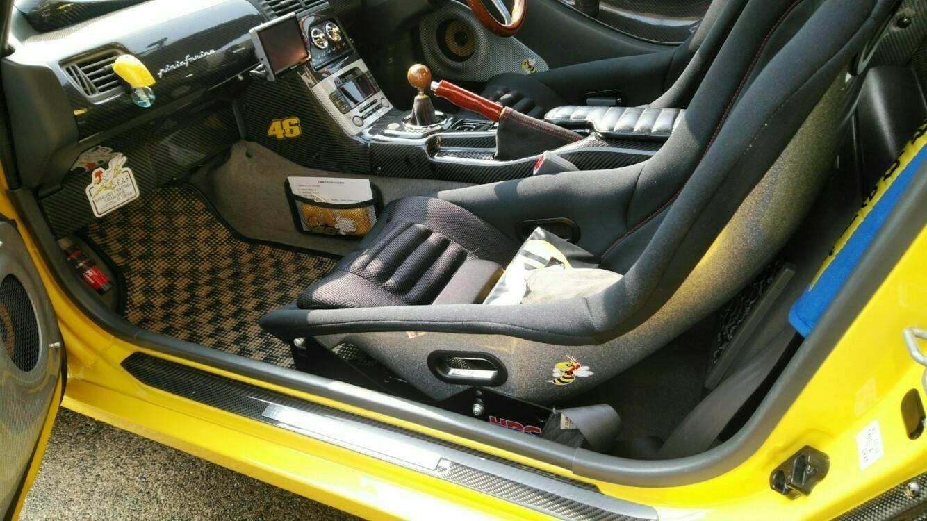そこで通常のノーマルシートベルトを使うためシートベルトキャッチを使うことに