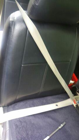 シートベルトをキレイにしてみる