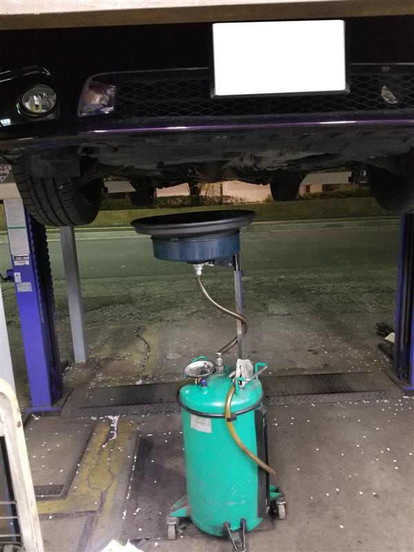 車検前日のオイル交換
