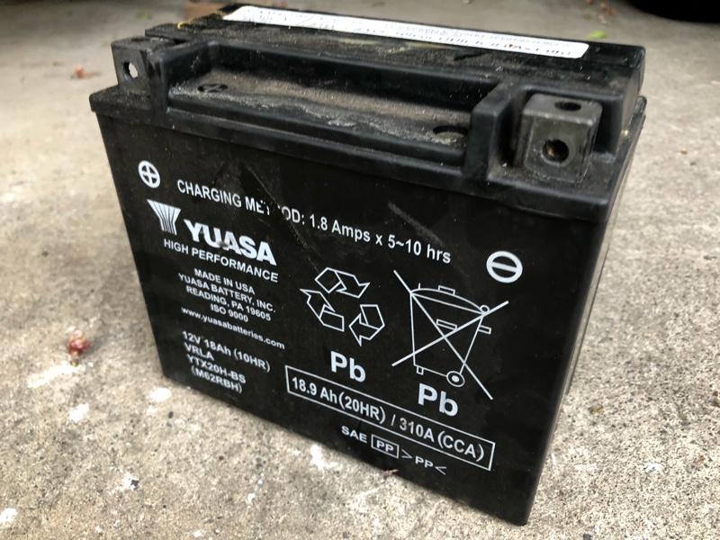 バッテリー交換と後付電装系の見直し