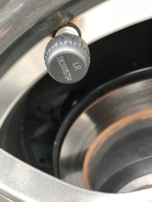 タイヤの空気圧を常時監視体制に