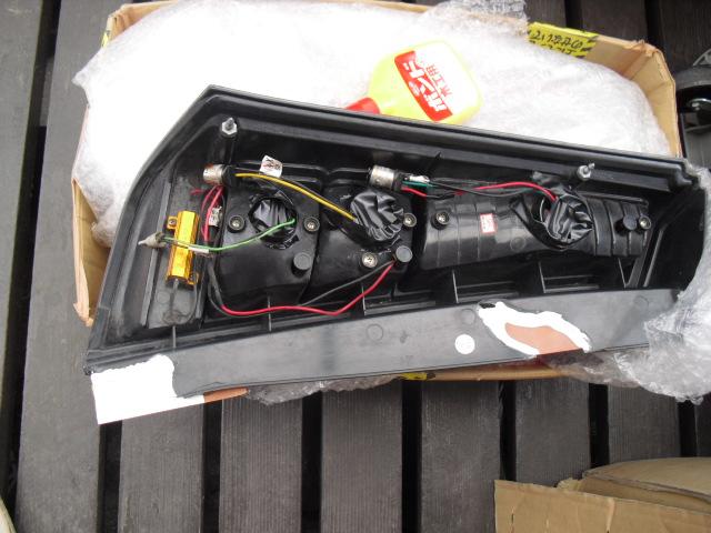 LEDテールの取り付け部のカケ修正