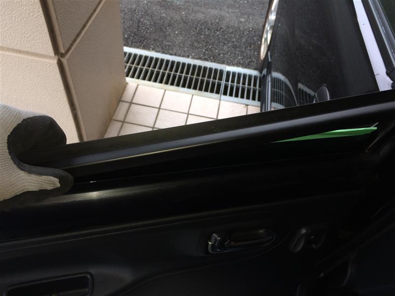 リアドア側ウェザーストリップ・ガラスランチャネル交換
