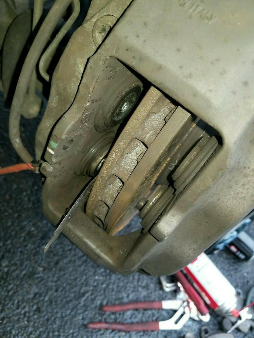 987ケイマン後期型ブレーキパッド交換