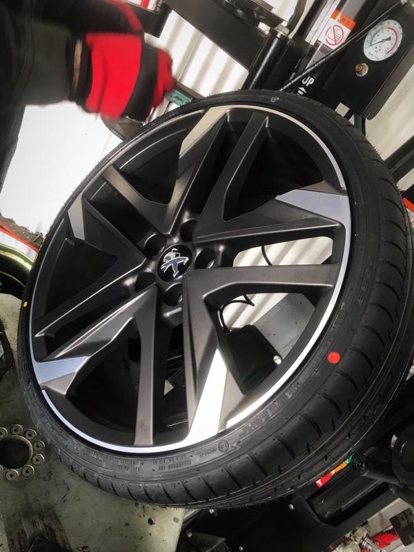 お初なインドネシア産タイヤに組み換え