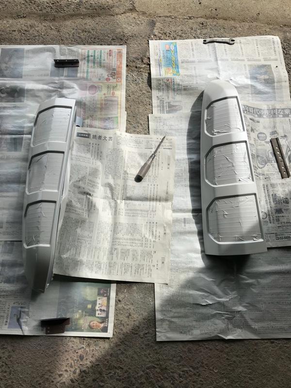 テールランプ NH624Pの純正プレミアムパールホワイトに塗装出来るかを検証してみた😅