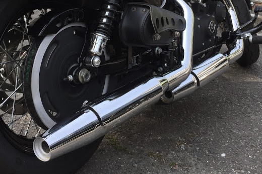 VANCE&HINES SHORT SHOTS STAGGERED/QUIET BAFFLE