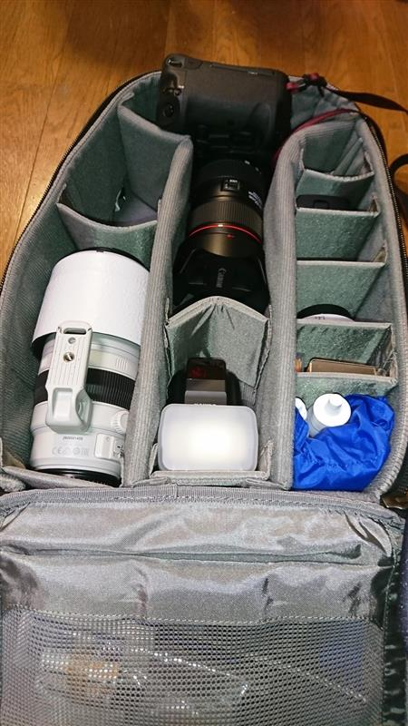 世界一大きなカメラ?をシンクタンク・エッセンシャルスに入れる方法。