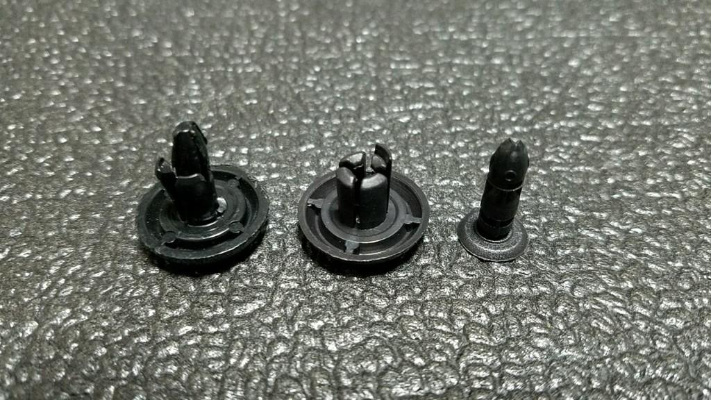 エンジンルームカバーのプッシュリベット破損交換🔃