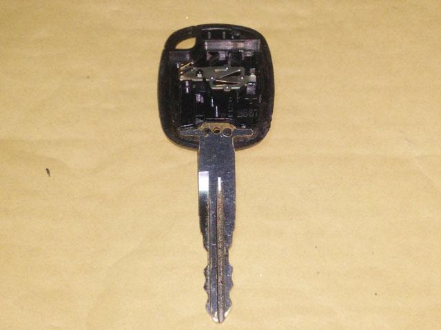 キーレスリモコン一体型キー流用