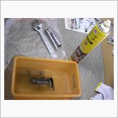 エアコンパイプの防振ゴム破損(で金具の洗浄と取り付け)③