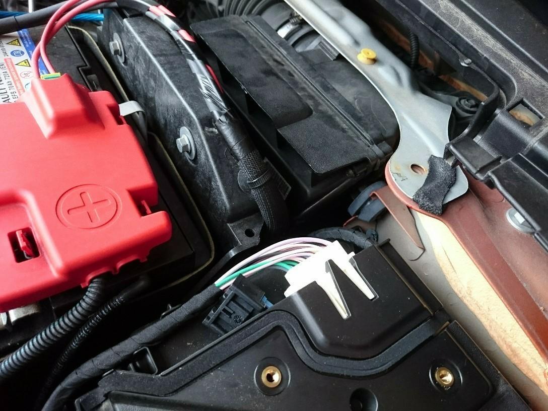 1.2ターボのエアフィルターをバッテリー動かさずに交換してみる