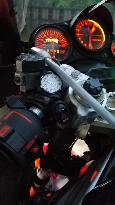 VF-1000Rに ジムニー(JA22)の忘れ形見を…その3