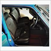 ブルちゃん運転席に純正シートとベルトを取り付けました